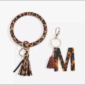 New Custom Initial M Leopard Keychain Ring